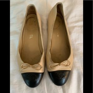 AUTHENTIC CHANEL CLASSIC NUDE/BLACK BALLET FLATS